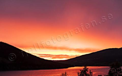 Röd solnedgång Åresjön